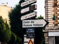 5_FRANCE ON THE CROSSROADS